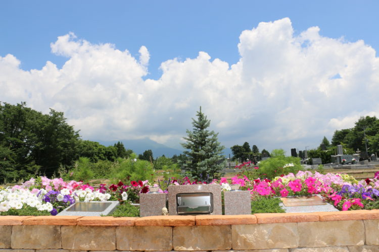 八ヶ岳 岩窪墓苑 ガーデニング型樹木葬「フラワージュ」 イメージ2