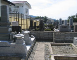 證蓮寺墓地