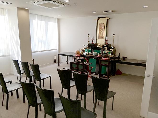 調布霊園の法要室